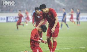 Nụ cười - nước mắt mừng chiến thắng của U23 Việt Nam