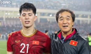 Đình Trọng và trợ lý Lee: Hai điểm tựa lặng thầm nhưng vững chãi của ông Park