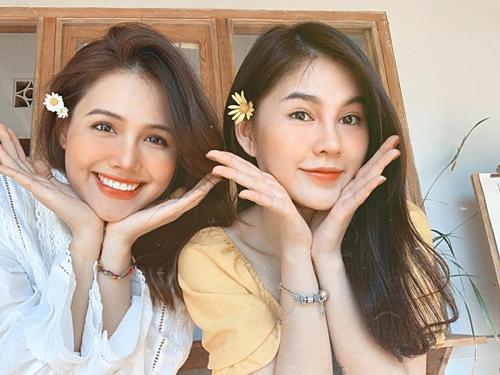 Phanh Lee - Thu Hoài như chị em sinh đôi khi xuất hiện chung khuôn hình.