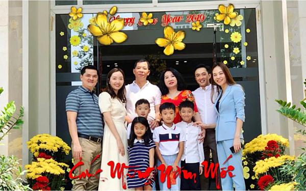 Sau lễ đính hôn, Cường Đô La và bà xã quay trở về TP HCM. Cặp đôi thường xuyên chia sẻ hình ảnh hạnh phúc trên trang cá nhân. Dịp Tết Nguyên Đán 2019, Cường Đô La đưa Đàm Thu Trang về sum vầy cùng gia đình mình.