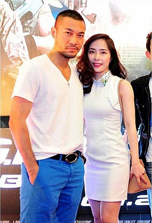 Trước khi trở thành một đôi, Doãn Tuấn từng yêu diễn viên Thu Quỳnh. Còn Quỳnh Nga, cô có thời gian dài bên cạnh ca sĩ Khánh Phương.