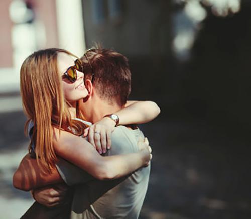8 dấu hiệu chứng tỏ người cũ muốn trở về bên bạn
