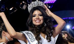 Hoa hậu Peru bị tước vương miện vì lộ cảnh nôn, say xỉn