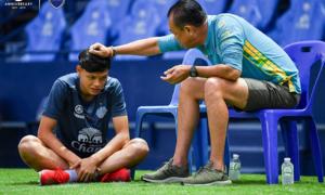 Supachai Jaided trở lại CLB tập luyện sau cú đấm Đình Trọng
