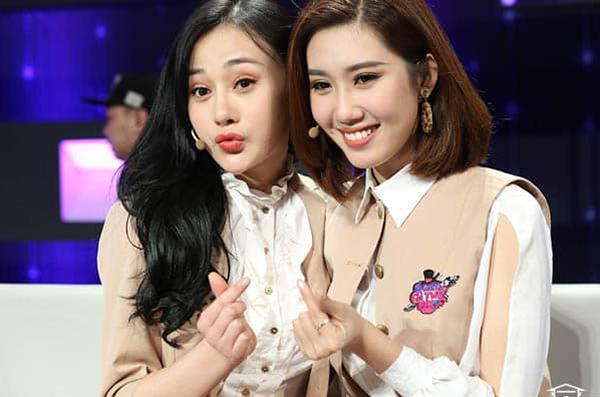 Thúy Ngân - Phương Oanh nhắng nhít chơi gameshow cùng nhau.