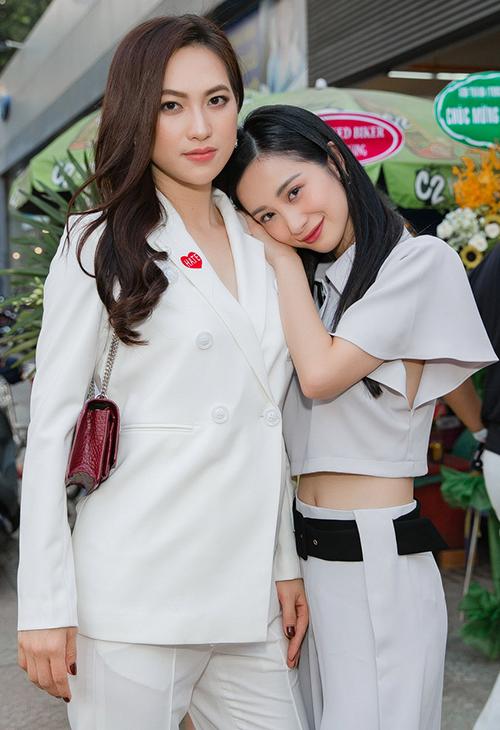 Jun Vũ nhận xét Phương Anh Đào có gương mặt xinh đẹp, mạnh mẽ.