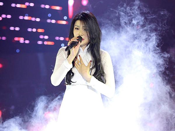 Lily Chen được nhận xét có màn trình diễn xuất sắc.