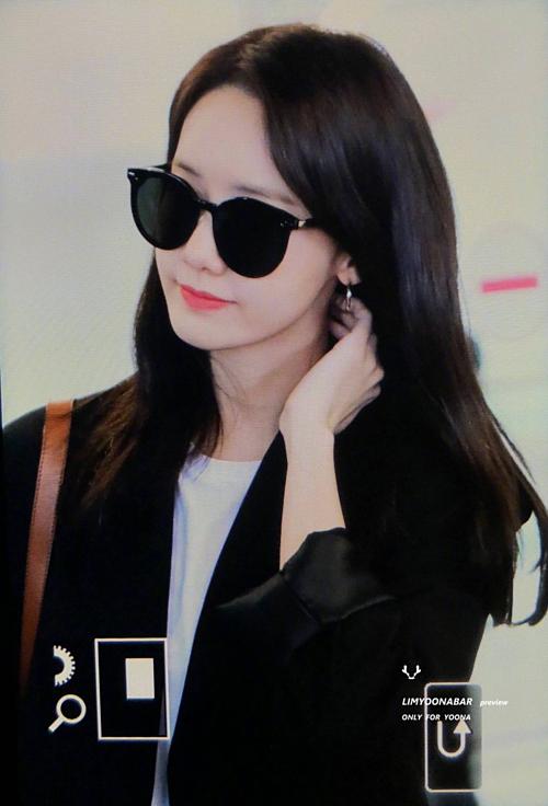 Sáng 31/3, Yoon Ah trở về Hàn Quốc.