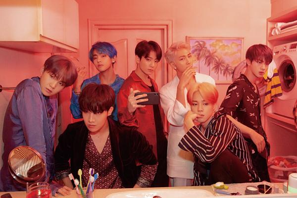 BTS khoe visual trong trang phục màu sắc.