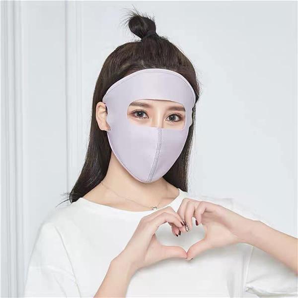 Các trang bán hàng online gần đây đang tạo nên cơn sốt với món phụ kiện chống nắng độc đáo: khẩu trang che kín mặt như Ninja, chỉ để lộ phần mắt. Xuất phát từ các trang mua sắm Trung Quốc, item này nhanh chóng thành trào lưu ở Việt Nam và được rất nhiều cô gái lùng mua để bảo vệ làn da dưới nắng hè.