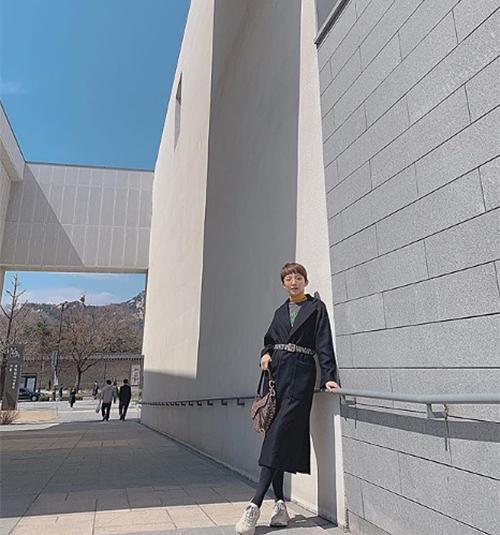 Tóc Tiên đi công tác ở Seoul.