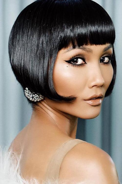 Với kiểu tóc mới này, H'Hen Niê hy vọng mang đến cho khán giả sự mới mẻ, được thưởng thức phong cách thời trang mới để hình ảnh của cô trở nên đa dạng hơn.