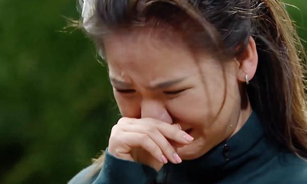 Minh Như khóc nức nở khi bị loại.