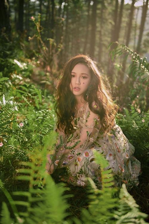 Cô nàng 10x sở hữu ngoại hình dễ thương, mang phong cách Kpop.