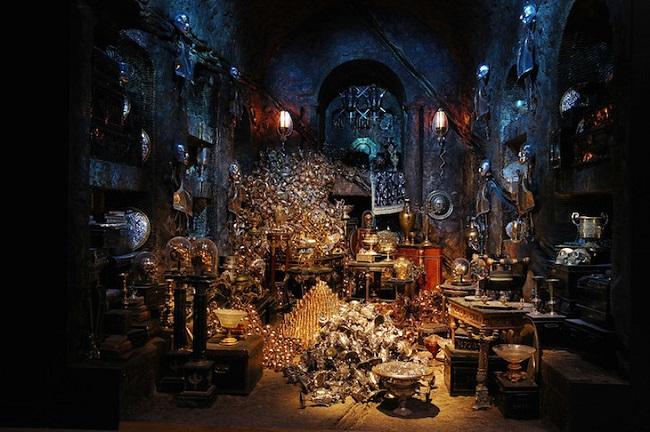 Du khách có thể khám phá Hầm chứa vàng, tận mắt chiêm ngưỡng các báu vật.