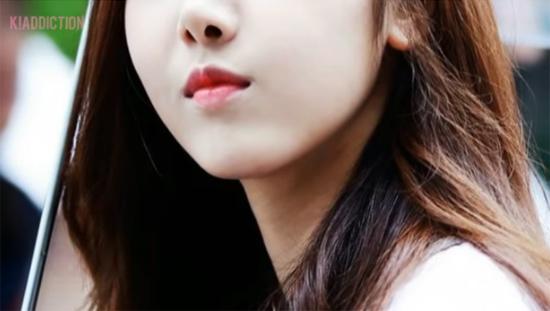 Nhìn đôi môi căng mọng, quyến rũ đoán idol Hàn (2) - 4