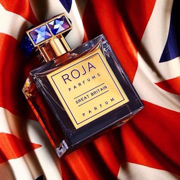 Nam danh hài đang sở hữu Chai nước hoa mắc nhất đến từ thương hiệu Roja với giá $1.800/ chai.