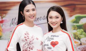 'Bạn gái tin đồn' Phan Văn Đức thân thiết với Ngọc Hân như chị em