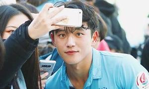 'Nam thần sân cỏ' Hàn Quốc khiến fan nữ mê mệt