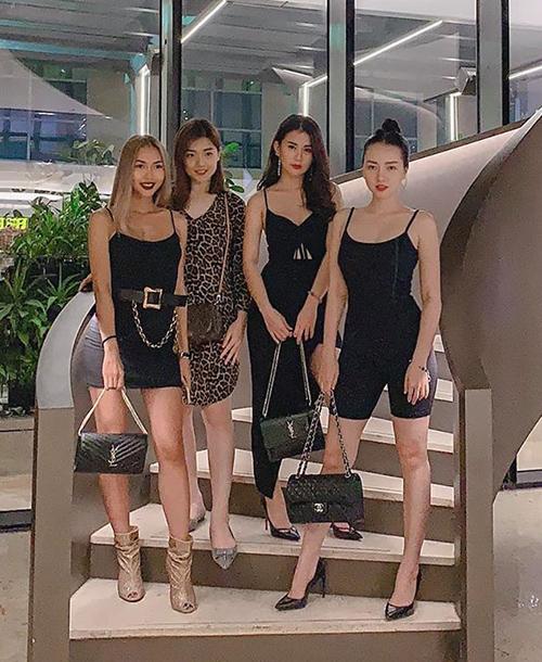 Băng Di khoe hội bạn thân toàn các cô gái xinh đẹp và sang chảnh.