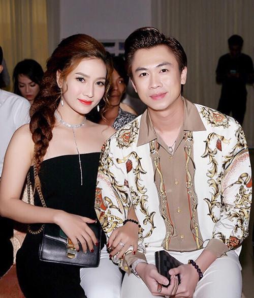 Hồ Việt Trung li dị vợ sau thời gian tái hợp không thành.