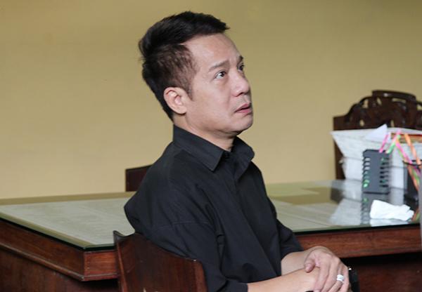 Nghệ sĩ Minh Nhí (áo đen).