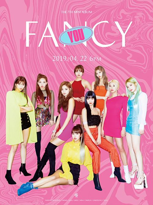 Fan Twice phàn nàn vì JYP thiết kế poster nhóm như gánh xiếc rẻ tiền - 1