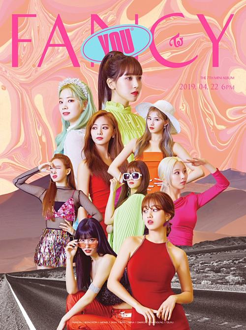 Fan Twice phàn nàn vì JYP thiết kế poster nhóm như gánh xiếc rẻ tiền - 2