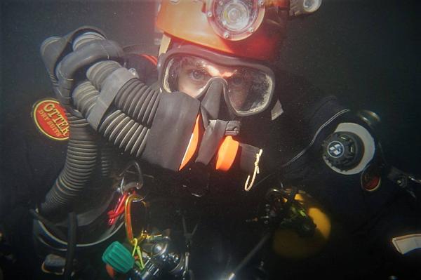Thợ lặn hang động Chris Jewell.