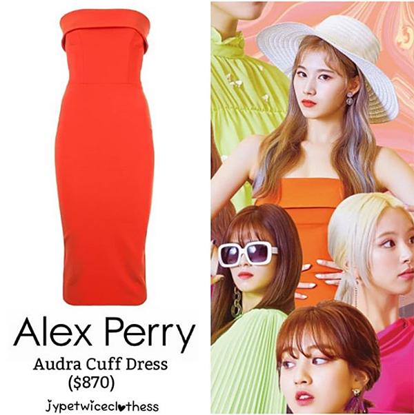 Sana mặc một chiếc váy quây của Alex Perry trong teaser comeback. Giá của thiết kế này là hơn 20 triệu đồng.