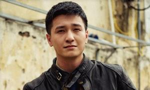 Đạo diễn, đồng nghiệp bác bỏ tin Huỳnh Anh thường xuyên muộn giờ khi quay phim