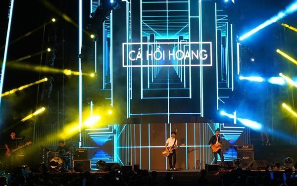 Nhóm Cá Hồi Hoang, Masew, Đạt G... dẫn dắt cảm xúc thăng hoa qua những track nhạc thuần Việt mang tính signature.