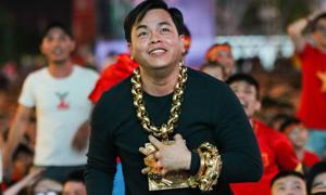 Những thú vui khác thường của Phúc XO - 'người đeo nhiều vàng nhất Việt Nam'