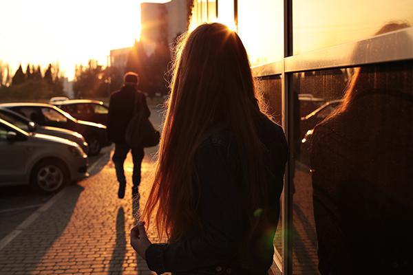 6 mối quan hệ rối như tơ vò chẳng ai muốn rơi vào