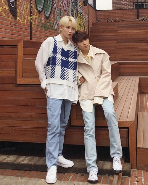 Won Woo và Jeong Han (Seventeen) kết đôi chụp hình.
