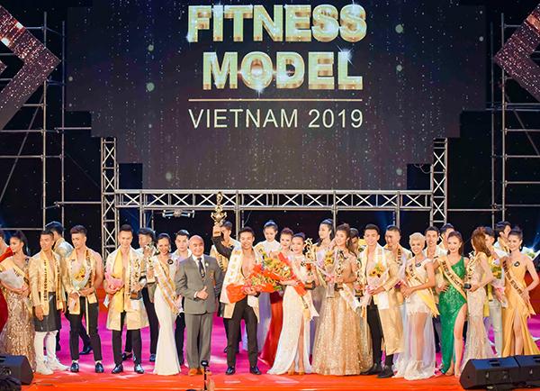 Ngày 12/4, chung kết xếp hạng cuộc thi Người mẫu thể hình Việt Nam - Vietnam Fitness Model 2019 diễn ra tại Đà Nẵng sau gần 3 tháng tranh tài quyết liệt. 40 thí sinh xuất sắc cả nam và nữ cùng tranh tài cùng trải qua các Phần thi Hình thể trong trang phục thể thao; Catwalk trong trang phục dạ hội; Biểu cảm, phối hợp với bạn diễn.