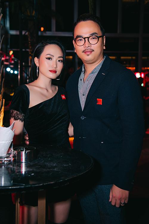 Thời gian qua, cô nàng được chú ý khi xuất hiện trong dự án điện ảnh Chị trợ lý của anh với Mỹ Tâm, Mai Tài Phến. Cô gặp gỡ và pose hình chung cùng ca sĩ Hakoota Dũng Hà.