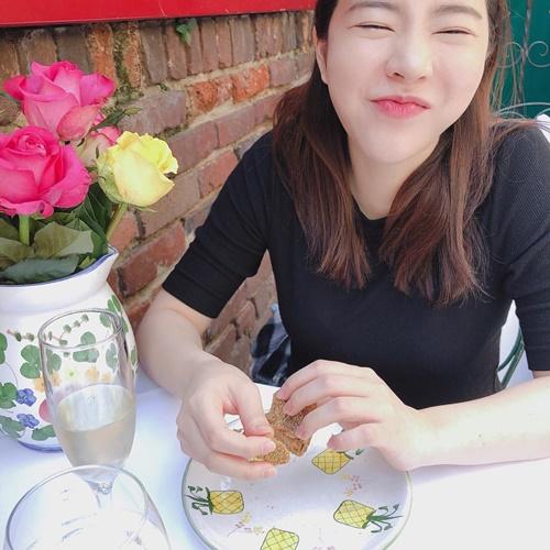 Instagram sao Hàn 14/4 - page 2 - 7