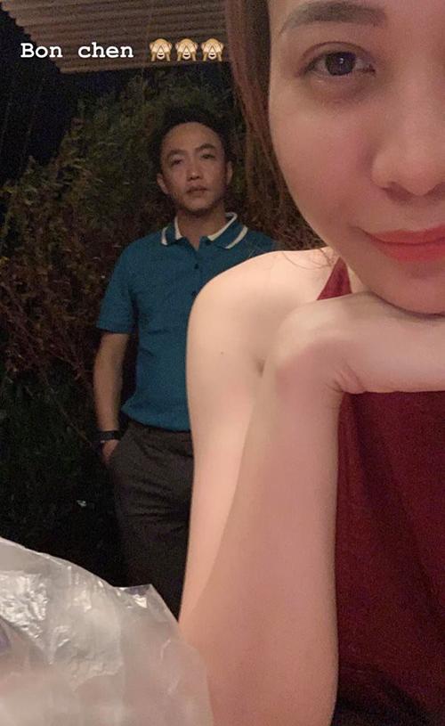 Đàm Thu Trang chia sẻ trên trang cá nhân khoảnh khắc bên Cường Đô La trong kỳ nghỉ lễ tại Ninh Thuận. Sau khi tổ chức lễ đính hôn vào tháng 1, cặp đôi hợp tác chung trong công việc, dành nhiều thời gian bên nhau. Theo một nguồn tin thân cận với iOne, đám cưới của cả hai sẽ được tổ chức vào tháng 5 tới.