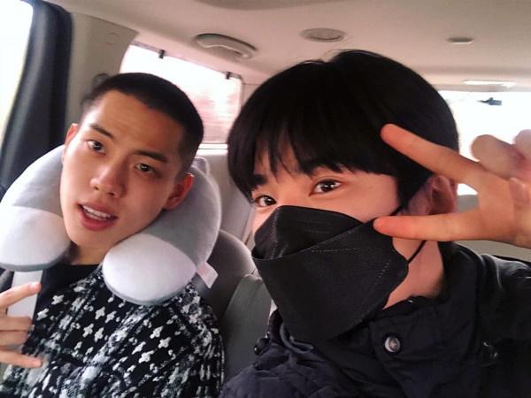 Sung Jong (Infinite) đưa cậu bạn cùng nhóm Dong Woo đi thực hiện nghĩa vụ quân sự.