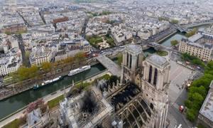 Nhà thờ Đức Bà Paris một ngày sau hỏa hoạn