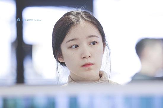 Netizen Hàn đồng tình với quan điểm của Shuhua về việc để mặt mộc.