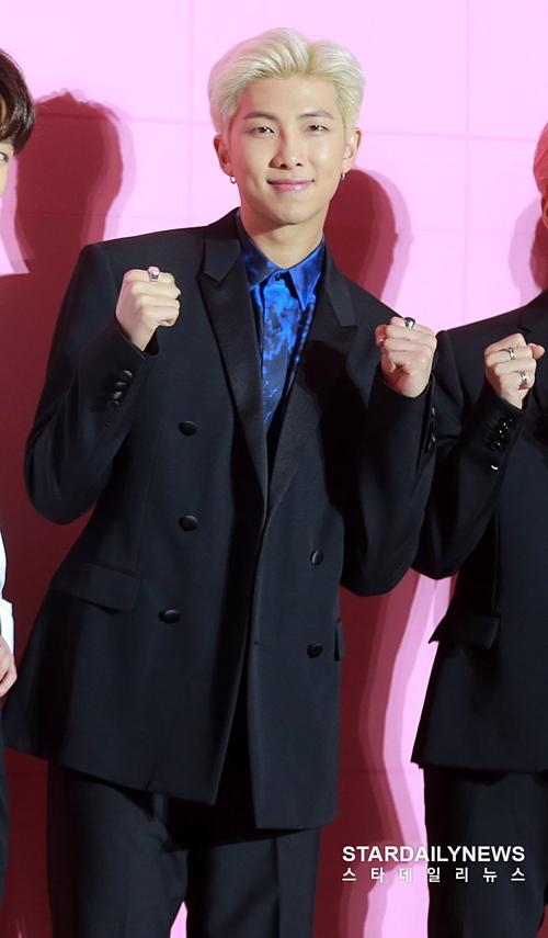 BTS khoe visual đỉnh cao tại họp báo comeback, tuyên bố tham vọng tương lai - 5