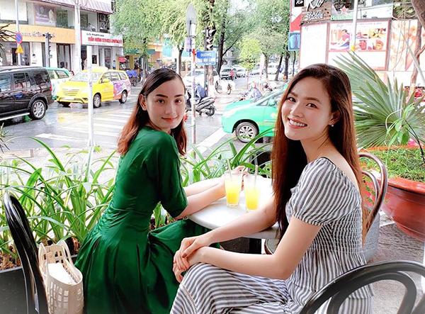 Lê Thúy và Tuyết Lan hội ngộ. Cả hai đều lên sắc sau gần 10 năm cùng tham gia Vietnams Next Top Model.