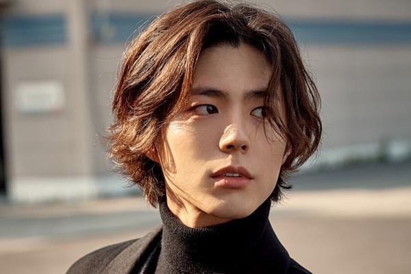 Đại diện chủ chốt của ngành công nghiệp phim truyền hình Hallyu thế hệ mới:1. Park Bo Gum (13 phiếu)2. Nam Joo Hyuk (12 phiếu)3. Jung Hae In (11 phiếu)4. Jang Ki Yong (9 phiếu)5. Park Seo Joon (7 phiếu)6. IU (5 phiếu)7. Kim Tae Ri (3 phiếu)