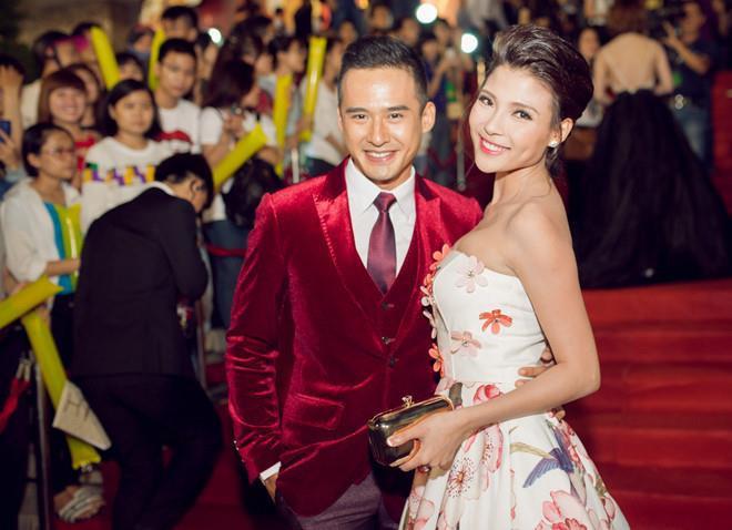 <p> Lương Thế Thành - Thúy Diễm là một trong những cặp đôi đẹp nhất màn ảnh Việt. Sau khi kết hôn, Thúy Diễm hạ sinh cho nam diễn viên con trai đầu lòng, đặt tên là Bảo Bảo.Từ soái ca lịch lãm, Lương Thế Thành giờ đã là ông bố bỉm sữa hết mực chăm con.</p>