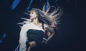 Bí mật của phần tóc mái 'bất biến' trong mọi hoàn cảnh của Lisa (Black Pink)