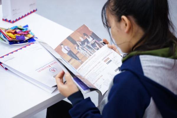 Học song bằng ngoài trường phổ thông