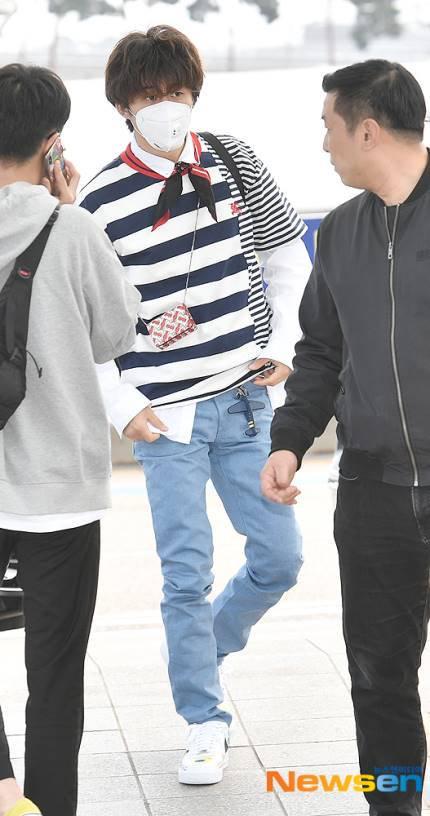 Yoon Ah - Tae Yeon đọ nhan sắc không tuổi ở sân bay - 9