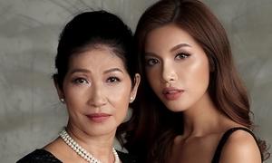 Mẹ Minh Tú: 'Con gái từng xin tiền mua kem trộn, đòi cưa chân vì quá cao'